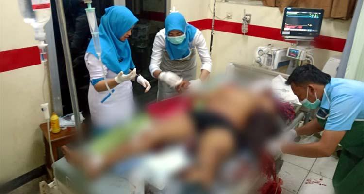 Korban saat mendapatkan pelayanan medis di RSUD Mohammad Saleh (Pix)