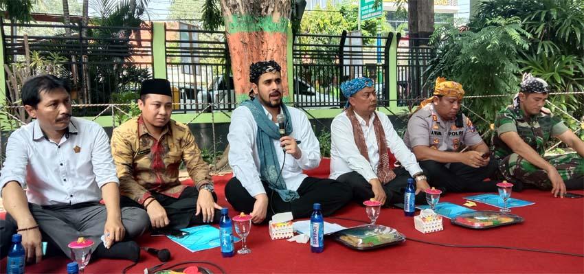 Walikota dan wakil walikota bersama Forkopimda duduk bersama media di acara satu tahun kepemimpinan wali kota dan wakil walikota Probolinggo (Pix)
