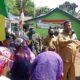 Habib Hadi dan Dandim 0820 saat pembagian masker juga bantuan Sembako kepada masyarakat Kelurahan Jrebeng Kulon