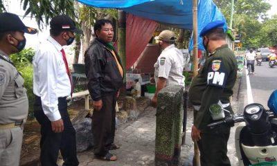 Dalam penertiban tersebut para pedangang sempat kaget setelah adanya puluhan petugas Satpol PP dibantu Den POM dan Polisi.