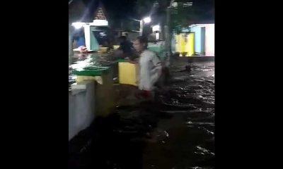Banjir Susulan Kembali Terjadi di Dua Desa Probolinggo, 10 Warga Harus Dievakuasi dengan Perahu Karet