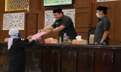 DPRD Probolinggo Sampaikan Pandangan Umum Fraksi Terhadap Raperda