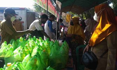 Pasar Murah Ramadhan, Stand SMPN 10 Bagikan Puluhan Paket Sembako Gratis